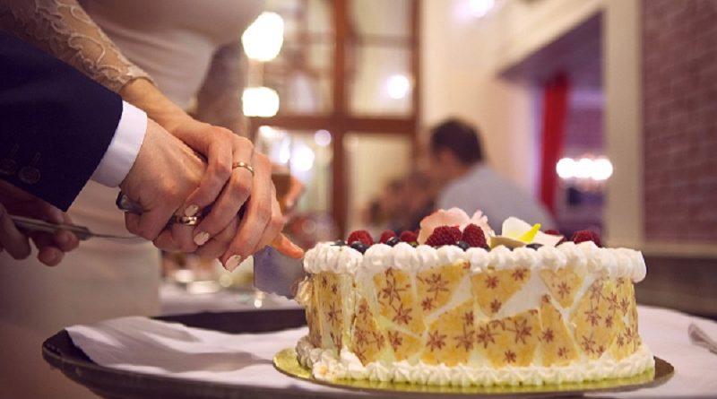 Тенденции на сватбената торта през 2019 година.
